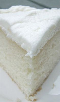 White Almond Wedding Cake Recipe ~ Says: So simple yet full of flavor. truly the BEST white cake recipe! White Almond Wedding Cake Recipe ~ Says: So simple yet full of flavor. Almond Wedding Cakes, Almond Cakes, Almond Cake Recipes, White Cake Recipes, Cupcake Recipes, Cupcake Cakes, Dessert Recipes, Frosting Recipes, Fondant Recipes