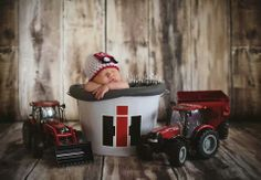 :) nick would love this! - Jamie Hedges Jump IH everything :) nick would love this! - Jamie Hedges Jump -IH everything :) nick would love this! Foto Newborn, Newborn Shoot, Baby Boy Pictures, Newborn Pictures, Farm Kids, Everything Baby, Baby Decor, Future Baby, Baby Boy Outfits