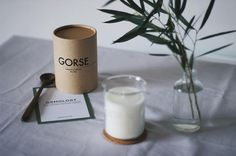 Introducing the beautiful Gorse Candle from Laboratory Perfumes. Opening with an invigorating top note of citrus and the delightful coconut hit of the gorse flower the fragrance delivered by our Gorse candle by Laboratory Perfumes is a fresh crisp fragrance that transports you to sun-kissed heathlands along the coast of Provence. P: @hannah.straughan #osmology