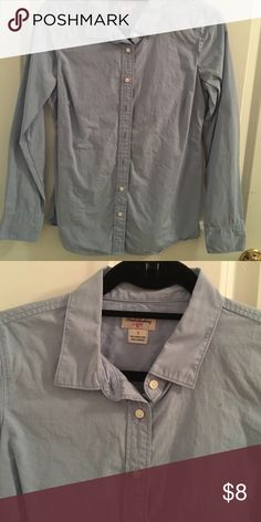 J.Crew Classic Button Down in blue Rarely worn J.Crew Classic Button Down - classic tailored look in light blue color. Machine washable - fits true to size J. Crew Factory Tops Button Down Shirts