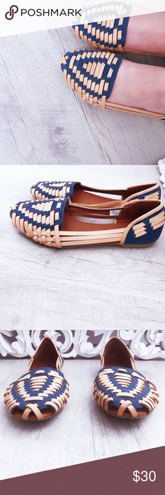 American Eagle Outfitters bamboo flats Take your flats to the next level with these bamboo style flats! ✨New without tag! Size 6.  Offers welcome ❤️  and  I will also send you an offer with FREE SHIPPING🤩 Just click and like👍🏼 no trades thank you American Eagle Outfitters Shoes Flats & Loafers