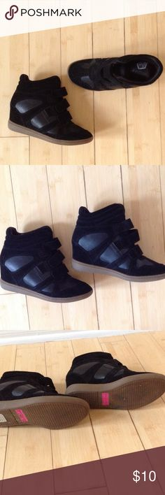 Black wedge sneakers Very comfortable.  Wore once and decided they weren't for me. Skechers Shoes Sneakers