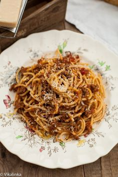 Spaghetti Bolognese...I can never say no to a delicious batch of this.