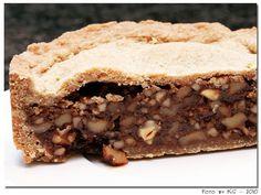 Engadiner Nusstorte: runde Form, 20 cm Rum, Kitchen Cupboards, Cheesesteak, Apple Pie, Veggies, Make It Yourself, Desserts, Ethnic Recipes, Advent