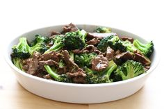 Chinese Beef and Broccoli is a classic restaurant dish that is surprisingly easy to re-create at home. Tender strips of beef, crisp broccoli, and a flavorful sauce; it all comes together in just minutes. Stir Fry Recipes, Paleo Recipes, Asian Recipes, Dinner Recipes, Cooking Recipes, Steak Recipes, Sauce Recipes, Broccoli Stir Fry, Broccoli Beef