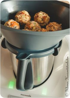 Brezenknödel, gedämpft Pretzel dumplings, steamed in Thermomix Related posts: Pretzel dumplings, steamed Spinach and cheese dumplings Napkin dumplings from HotTomBBQ. A Thermomix ®️️ recipe from the category … Potato soup with dumplings Finger Food Appetizers, Great Appetizers, Finger Foods, Appetizer Recipes, Dinner Recipes, Yummy Snacks, Healthy Snacks, Healthy Recipes, Healthy Cooking