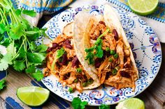 Need a fast and easy shredded chicken recipe? These 50 recipes with shredded chicken will help you have dinner on the table in no time. Shredded Chicken Sandwiches, Pulled Chicken Recipes, Mexican Shredded Chicken, Easy Crockpot Chicken, Easy Chicken Pot Pie, Chicken Sandwich Recipes, Chicken Ideas, Chicken Tacos, Fast Easy Meals
