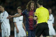 FC Barcelona 1-3 Real Madrid | Carles Puyol protesta al árbitro. [26.02.13]