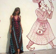 Vestido ONA com estampa em cores quentes!