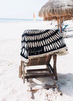 The Original Roundie Towel   The Beach People