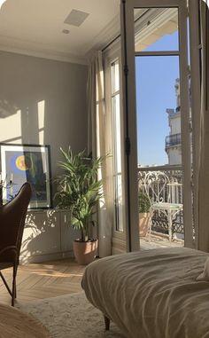Arquitectura Wallpaper, Room Ideas Bedroom, Men Bedroom, Bedroom Country, Cozy Bedroom, Dream Apartment, Parisian Apartment, Studio Apartment, Aesthetic Room Decor