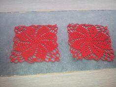 lot de 2 petits napperon au crochet de couleur rouge et de 17 cm