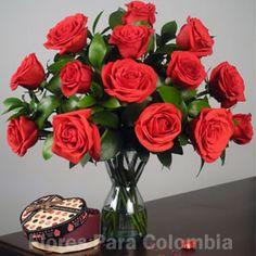 Exquisita seducción, florero con rosas rojas: http://www.floresparacolombia.com/producto_info.php?products_id=273&inicio=116
