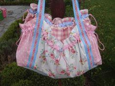 Verspielte Rosen - Tasche von Sabine´s Finest auf DaWanda.com