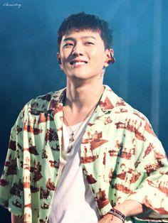 A thicc, healthy, happy Dongdong is all the world needs to keep revolving❤️ Ikon Wallpaper, Jay Song, Dancing King, Kim Hanbin, Kpop, Greatest Songs, Yg Entertainment, Korean Boy Bands, K Idols