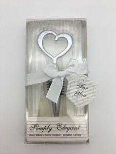 Ofera invitatilor de la nunta un cadou util, pur si simplu elegant, sub forma de inima.   Marturiile de nunta dop sticla inima din crom nu sunt doar practice, ci si elegante.   Aceste marturii de nunta pot fi folosite pentru pastrarea optima a vinului, imediat dupa...