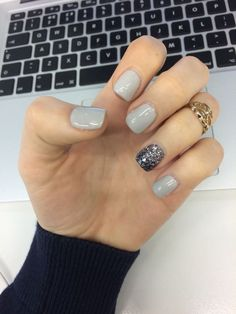 Grey Gelish nails with glitter winter nails - Beauty & Personal Care - Makeup - Nails - Nail Art - winter nails colors - Fancy Nails, Love Nails, How To Do Nails, Pretty Nails, Sparkle Nails, Glitter Accent Nails, Style Nails, Gorgeous Nails, Uñas Fashion