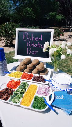 A Baked Potato Bar makes outdoor entertaining easy & it's guarenteed to be a hit with your guests. Serve with seasoned meat (chicken, beef, pork) to put on top. Baked Potato Bar, Baked Potato Toppings, Brunch, Food Stations, Partys, Wrapping Ideas, Coffee Cups, Coffee Latte, Cooking Recipes