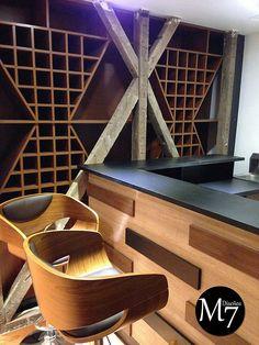 M7 diseños   Bar semi rustico terminado. Listones en relieve como detalle decorativo para frente y costados.