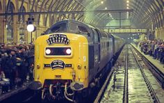 Electric Locomotive, Diesel Locomotive, Euston Station, Abandoned Train, Electric Train, British Rail, Old Trains, Train Pictures, London Bus