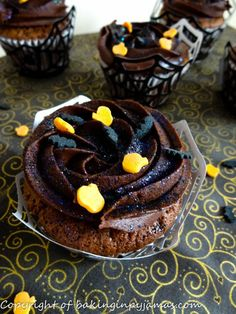 Black Zinger Cupcakes
