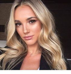 Are you looking for best hair colors to apply for long hair? Just see here, we have made a collection of fantastic long balayage colored hairstyles Brown Eyes Blonde Hair, Blondes With Brown Eyes, Brown Eyes Hair Color, Balayage Blond, Hair Looks, New Hair, Cool Hairstyles, Beauty Hacks, Hair Makeup