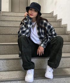 Adrette Outfits, Skater Girl Outfits, Indie Outfits, Teen Fashion Outfits, Retro Outfits, Cute Casual Outfits, Summer Tomboy Outfits, Boyish Outfits, Urban Outfits