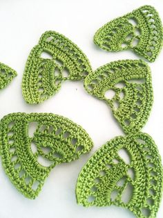 crochet leaf applique motif green 6pcs. by Fiscraftland on Etsy