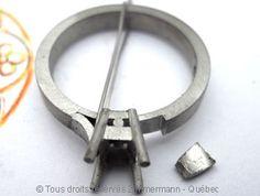 Solitaire palladium avec diamant taille émeraude de 43/100 ct