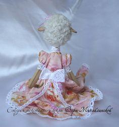 Авторская текстильная игрушка Овечка Белла
