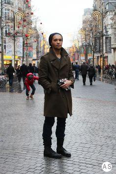 Kareem looking smart in black