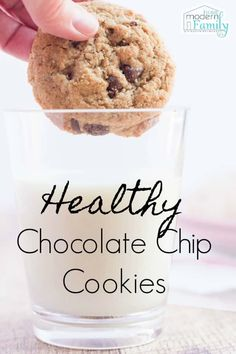Healthy Oatmeal Chocolate Chip Cookies #healthysnacks #healhtyrecipes #easyrecipes #chocolatechip