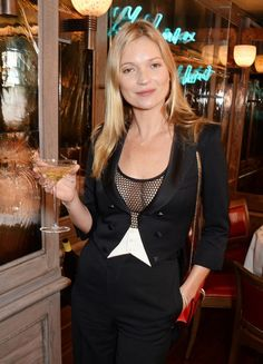 シャンパンがないから?ケイト・モスがファッションショーを引退発言|エル・ガール・オンライン