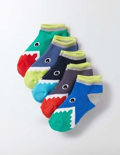 Our cotton-rich trainer socks are oh-so-soft, with added cushioning for a sporty feel. These pairs have ribbed cuffs to stop them sliding down when you're busy enjoying the day. Surprise your friends when you take off your shoes, to reveal snappy sharks on your toes.