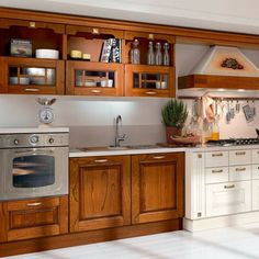 Wooden kitchen with handles Laura Collection by Cucine Lube Wooden Kitchen, Country Kitchen, Kitchen Furniture, Shabby, Kitchen Cabinets, Design, Home Decor, Kitchens, Spaces