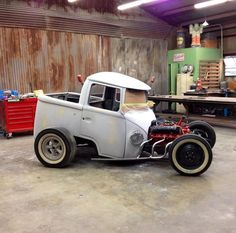Chopped Hotrod - Cool Cars & Motorcycles - Carzz - Rats, Rat Rods and Minis Vw Cars, Pedal Cars, Cool Trucks, Cool Cars, Hot Rod Cars, Vw T1 Camper, Vw Volkswagen, Combi Wv, Van Vw
