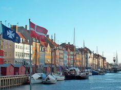 danemark   Port de Copenhague   Lire la légende   01/05/2014   © Olgui78