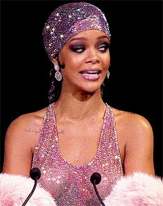 20 Peak Rihanna Gifs To Celebrate Her Birthday