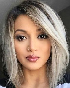 New Perfect A Line Bob Haircut Styles for Women to Show Off in Explore here the most wanted bob hairstyles to get an astonishing and inspiring look this year. Pelo Color Plata, Medium Hair Styles, Short Hair Styles, Line Bob Haircut, Messy Haircut, Bobs For Thin Hair, Long Bob Hairstyles For Thick Hair, Messy Bob Hairstyles, Layered Hairstyle