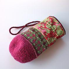 A folk bag by Peony And Parakeet. Freeform Crochet, Tapestry Crochet, Knit Crochet, Knitting Yarn, Knitting Patterns, Crochet Patterns, Colar Boho, Knit Basket, Beaded Bags