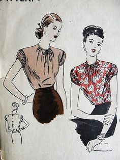 1940s LOVELY Blouse Pattern VOGUE 5693 Button Back Tuck In Blouse Bust 32 Vintage Sewing Pattern