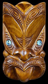 Wood carving is a sacred art form for Maori from hand made wearable art and necklaces to weapons, gift boxes, intricate wall art and traditional sculptures. Wooden Wall Art, Wood Art, Maori Symbols, Maori Tribe, Tiki Tattoo, Polynesian Art, Maori Tattoo Designs, Nz Art, Zen