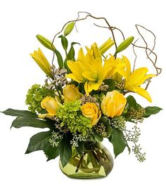 Show your mom how much you care with Mother's Day flowers delivered by Angelone's Florist. We'll bring fresh, beautiful flowers right to her front door. Fast Flowers, Bright Flowers, Summer Flowers, Purple Flowers, Flowers Garden, Autumn Flowers, Tropical Flowers, Yellow Flowers, Silk Flowers