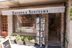 Yvoire: dorp met uitzicht over het meer van Genève ***** | Dorpen in Frankrijk Yvoire, Mediterranean Sea, Vans, Camping, France, Campsite, Van, Campers, Tent Camping