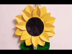 Hi friends and my viewers.wish you a very very happy and prosperous new year in advance. This is one of the request video . Request was m. How To Make Sunflower, Sunflower Crafts, Paper Flower Patterns, Paper Sunflowers, Felt Board Stories, Paper Art, Paper Crafts, Crafts For Kids, Arts And Crafts