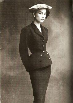http://pics.livejournal.com-Balenciga 1950