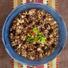 Farro is a great stuffing replacement for those who prefer healthy whole grains in their diet. This stuffing can easily be adjusted for vegans or vegetarians by choosing the appropriate broth. Chestnut Recipes, Roasted Chestnuts, Stuffed Mushrooms, Stuffed Peppers, Grain Foods, Vegetable Stock, Dried Cranberries, Fresh Lemon Juice, Vegans
