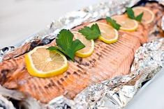 Hel ovnsbakt ørret med Geraldinesmør | Millas Mat Cooking Contest, Norwegian Christmas, Norwegian Food, Dinners To Make, Cooking Recipes, Healthy Recipes, Big Mac, Fish And Seafood, Food To Make