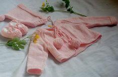 Conjunto chaqueta pompones bebé