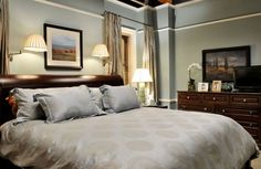 """""""The Good Wife"""": Alicia Florick's bedroom.  I like the reading lights above the bed."""